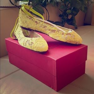 NWT 💖 Valentino Lime Lace Flats Size 8 +Du…